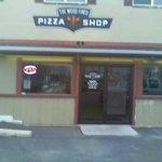 Exterior of Wood Fired Pizza Shop in Newark, DE