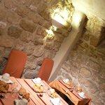 洞窟みたいな朝食場所