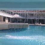 Chute d'eau à la piscine