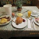 朝食、ソーセージが美味しかったです。