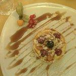 Crostatina con crema,frutta e sciroppo d'acero. Ottima!