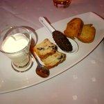 Crème de pané avec chantilly salée / Tapenade / Cake aux olives et lardons