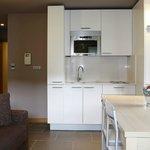 Cocinas totalmente equipadas ( nevera, lavadora, vitroceramica, microondas y menaje de cocina )