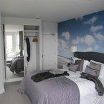Bed & Wardrobe