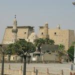 Blick auf den Luxor-Tempel