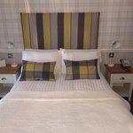 Nice decor and bedding.