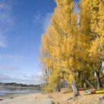 Kayaking on Lake Wanaka at Edgewater