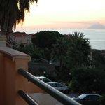 вид с террасы на Стромболи