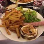 Camembert rôti , frites maisons! Miam
