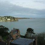 Vue de la côte de granit rose depuis la terrasse
