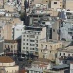 La plus belle terrasse d'Athènes. Photo prise de l'Acropole, c'est vous dire...