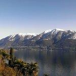 Aussicht vom Zimmerbalkon auf den Lago Maggiore 2