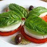 Caprese fresh mozzarella salad