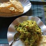 Guacamole dip & papadom