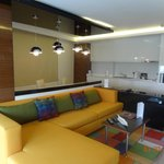 2 BDR SUITE -LIVING &DINING