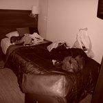 Seng i twin room (med tilhørene kaos i sengen)