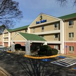 Welcome to the Sun Suites of Gwinnett!
