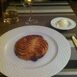 La tarte fine au pommes  et à la frangipane
