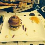 Antipasto (mini burger, carne di anatra crauti rossi e maionese artigianale )