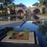 un palais spectaculaire et son bassin