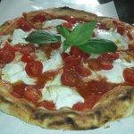 La pizza tradizionale... REGGINA MARGHERITA