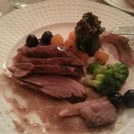 filet de canette aux  cerises et légumes d hiver.franck&stephanie