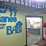 L'Eggs Hanes Bali Playtex.  Free Bra Fittings.