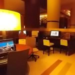 6 free internet screens in lobby