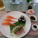 Sushi et sashimi.