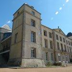 Façade du Château de la Redorte