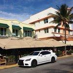 Vue extérieure du restaurant et de sa terrasse