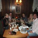 Fondue com a família em uma mesa do 2º pavimento do Carlitos.