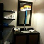 個室にはこのような洗面台もありました