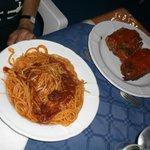 spaghetti al tonno fresco con teste di tonno