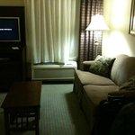 Photo de Staybridge Suites Kalamazoo