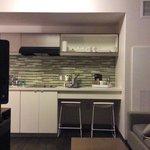 Cozinha, fogao, geladeira, cafeteira