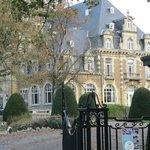 allée d'entrée du Chateau de Namur