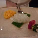 sticky rice with coconut milk and fresh mango