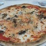 Pizza ai funghi e penne ai 4 formaggi