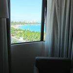 Vista a la playa de Pajuçara, desde habitación en piso 7. Un sueño.