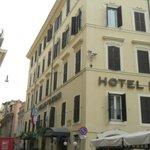 El hotel y sus alrededores