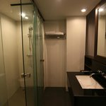The Avenue Hotel - Koh Samui - Thailand - The Travel Glow - glass bathroom