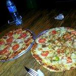 Pizza deluxe y Pizza de frutos del mar