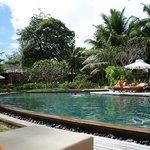 Una de las piscinas del Ephelia. Pertenece a la zona de las Junior Suite.