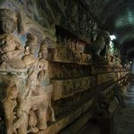 Галерея в храме 80000 Будд