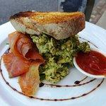Kale and pesto eggs with smoked salmon