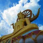 The Big Buddha does strike a dramatic pose