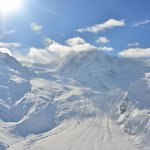 Breathtaking winter wonderland with highes alpine peaks and glaciers