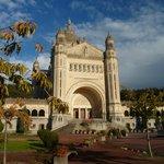 La richesse du patrimoine de la région : Basilique de Lisieux