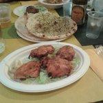 Pollo tandoori e naan peshawari